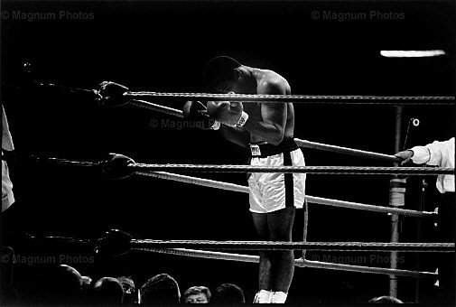 muhammad-ali-praying