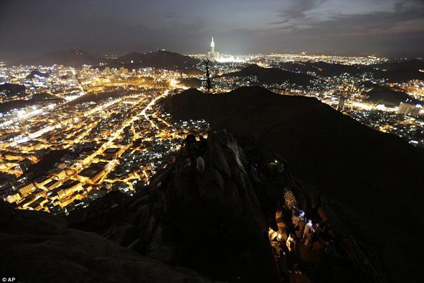 hajj-mecca-night
